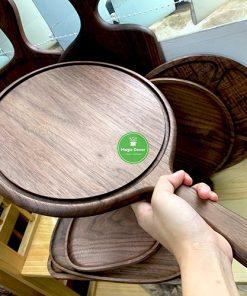 Khay tròn gỗ óc chó - đựng Pizza, trang trí - kích thước D25cm có tay cầm dài 14cm