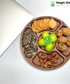 Đĩa gỗ óc chó cao cấp hình tròn dùng để trang trí đựng đồ ăn - thiết kế 5 ngăn đường kính 24cm