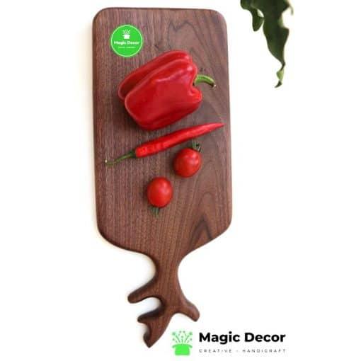 Thớt gỗ decor thiết kế có tay cầm - gỗ óc chó nhập khẩu cao cấp
